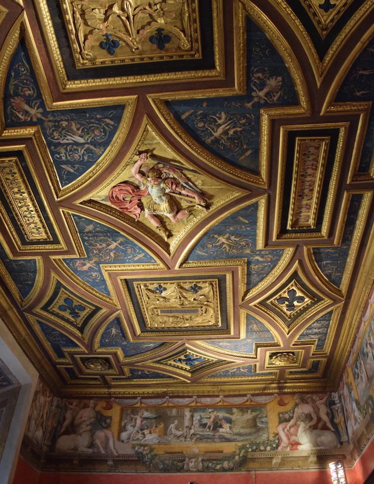castelo de santo angelo detalhe no teto