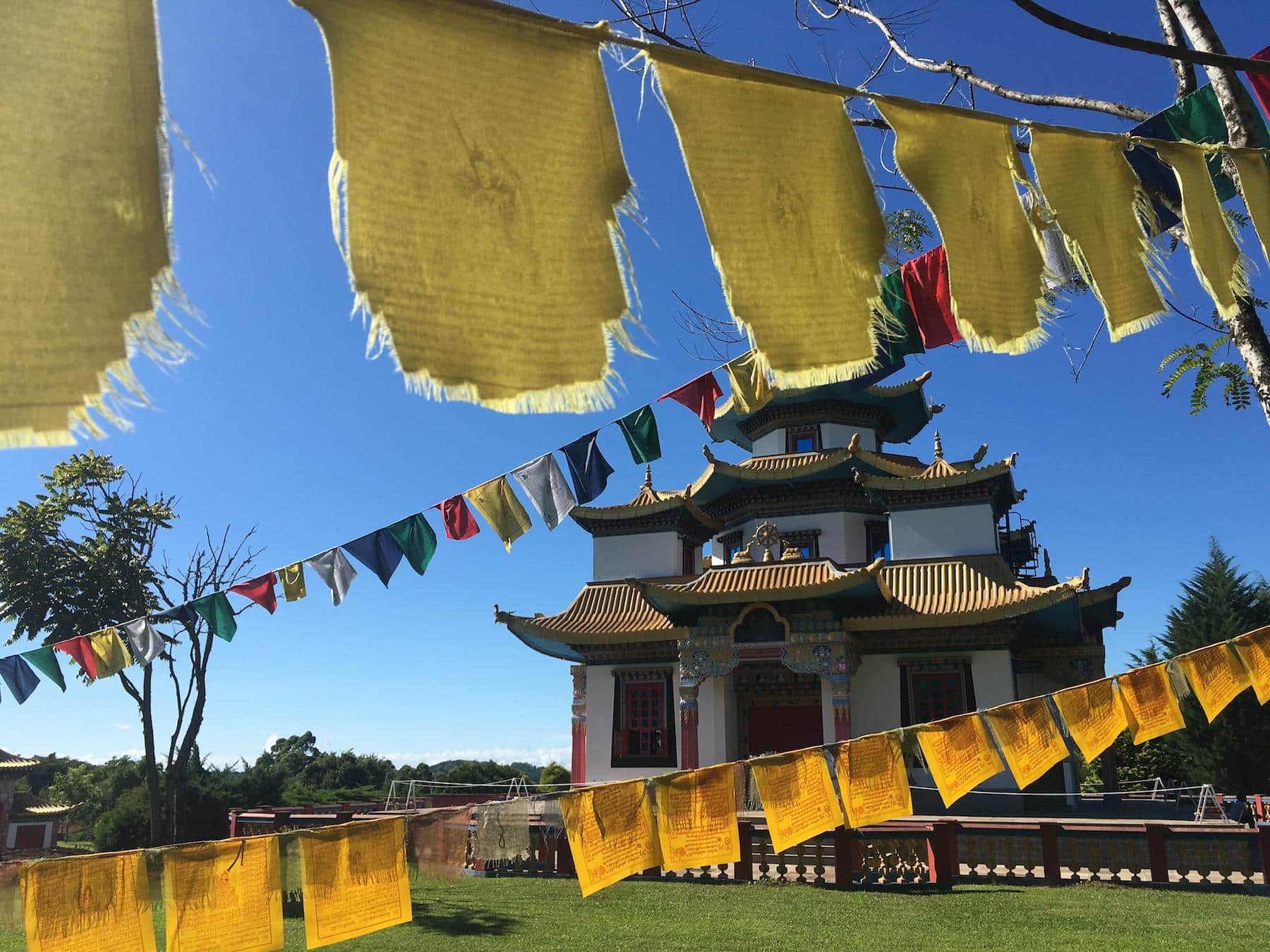 templo budista no brasil khadro ling terra pura destacada