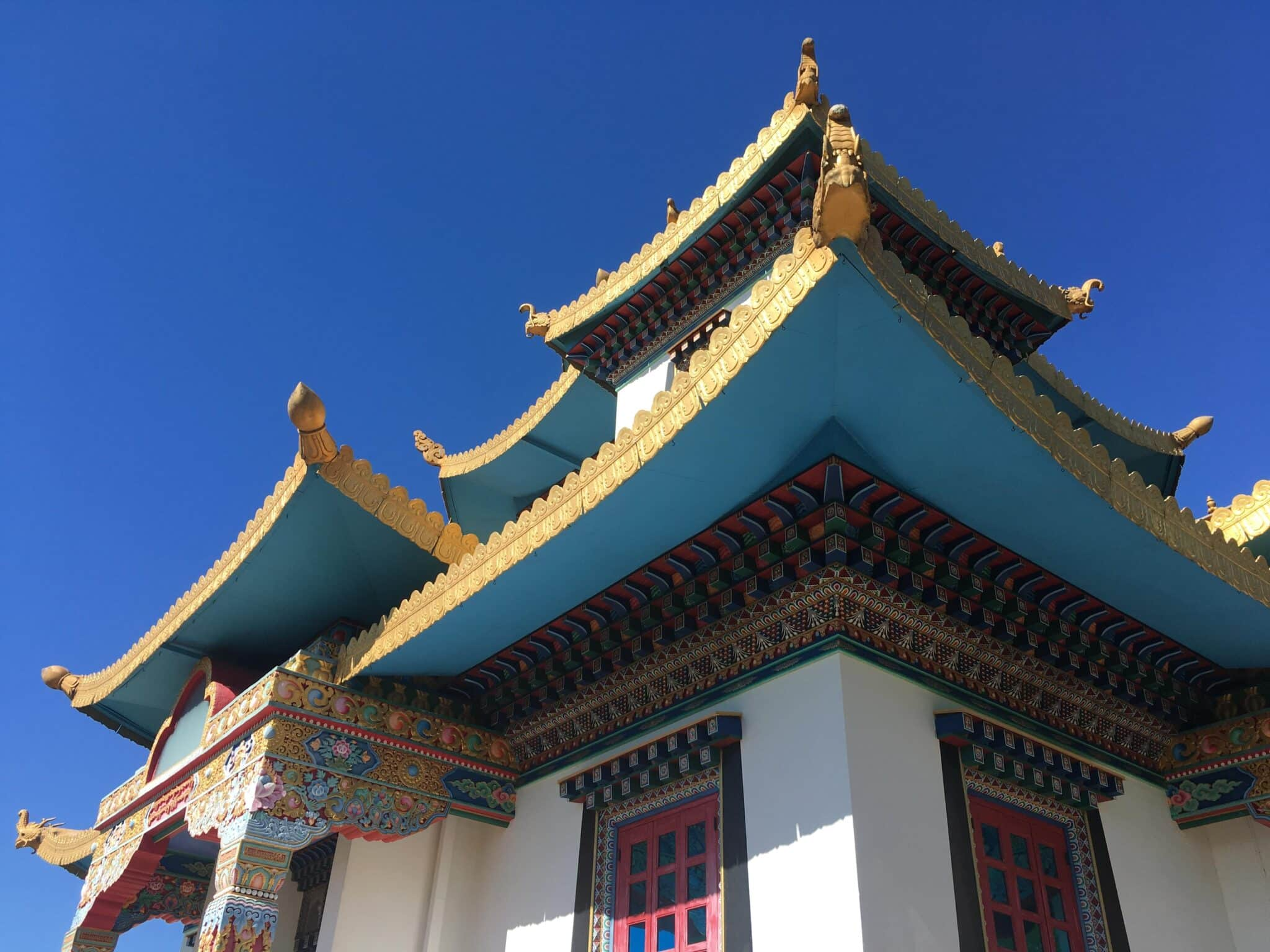 templo budista no brasil khadro ling terra pura detalhe 2