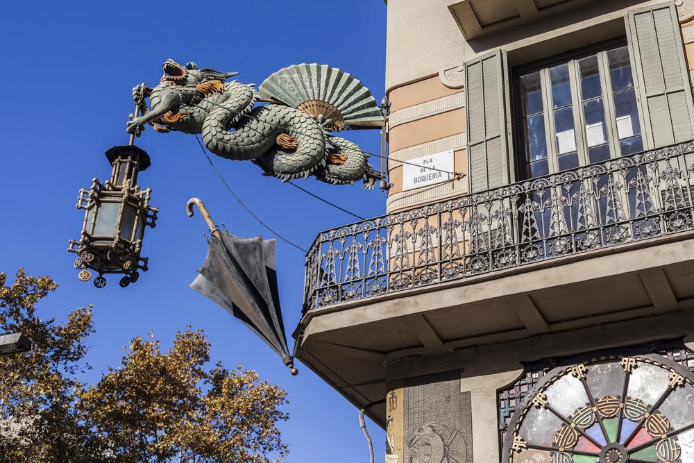 Dragões nas ruas de Barcelona