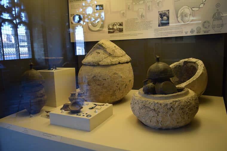 o que fazer em tarquinia italia museu urnas pre historicas