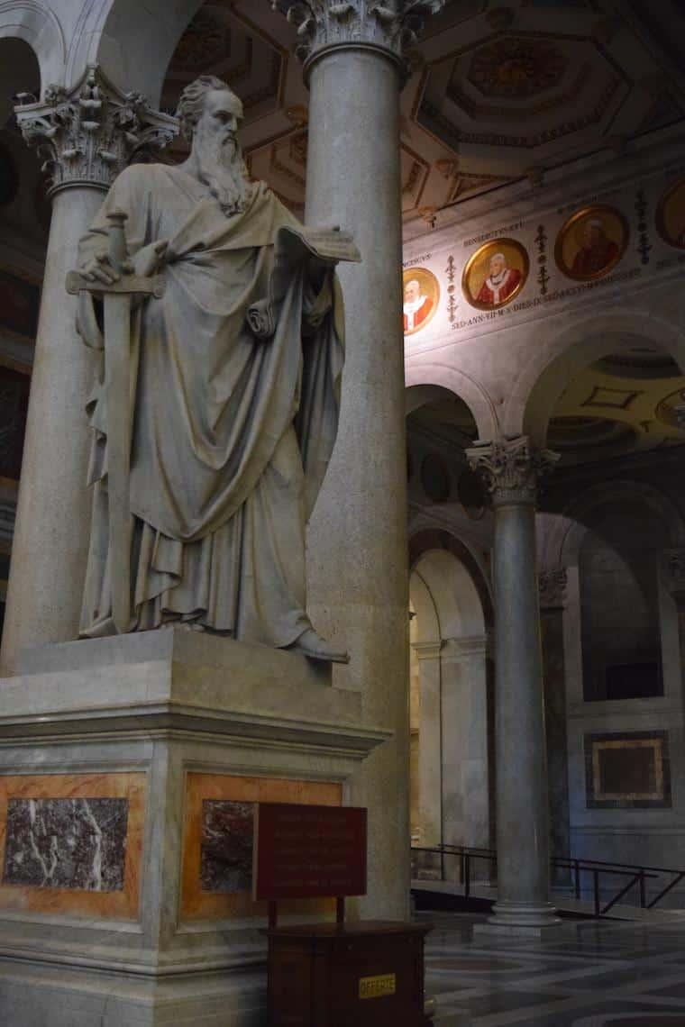 sao paulo fora dos muros roma estatua apostolo