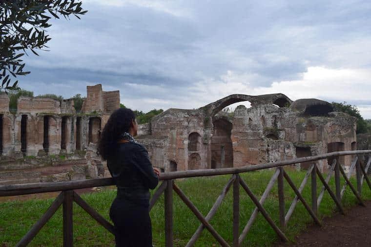 vila adriana ruinas banhos luiza