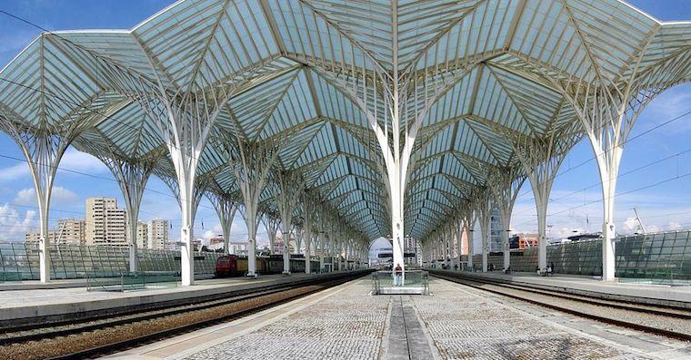 Plataforma_ferroviaria_da_Gare_do_Oriente