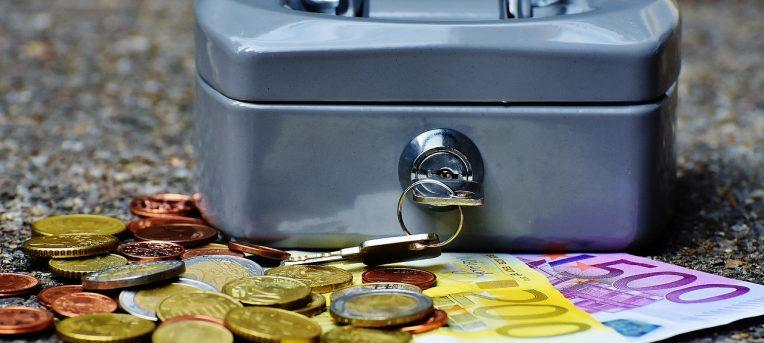 Site ajuda a economizar tempo e dinheiro na compra de moedas estrangeiras