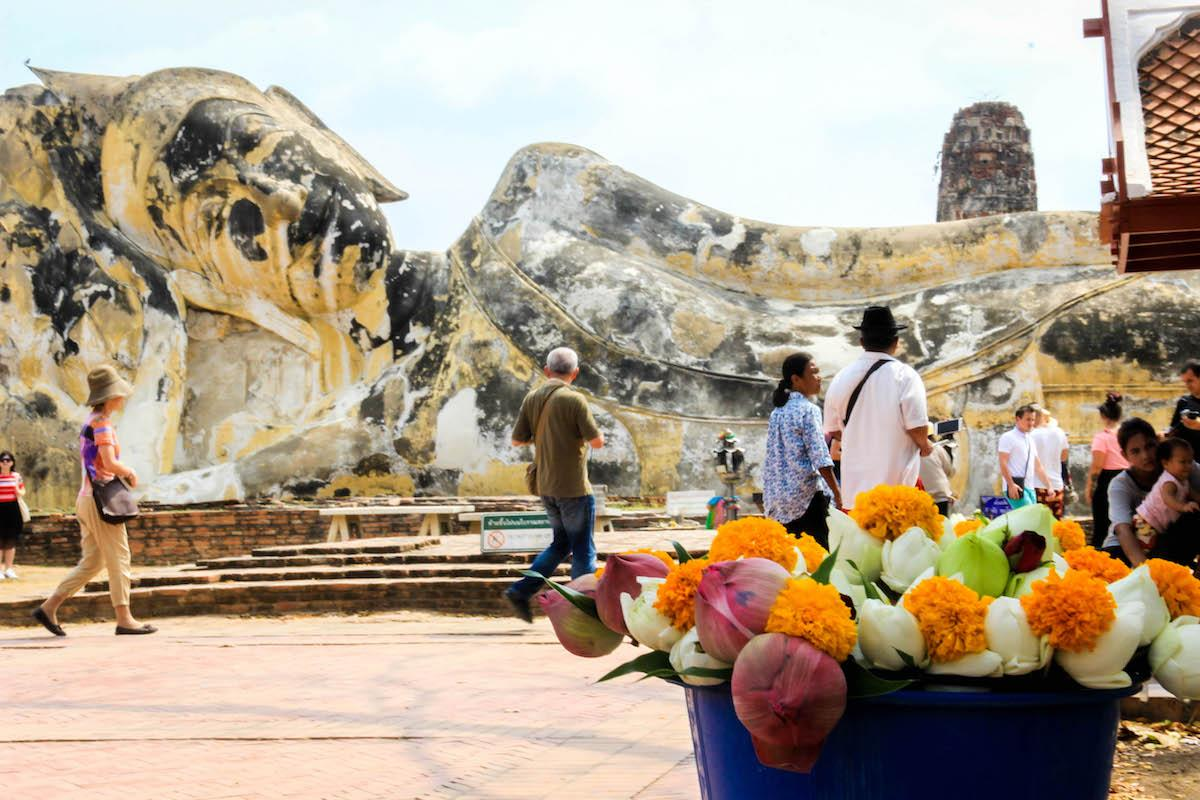 Ayutthaya - Buda inclinado