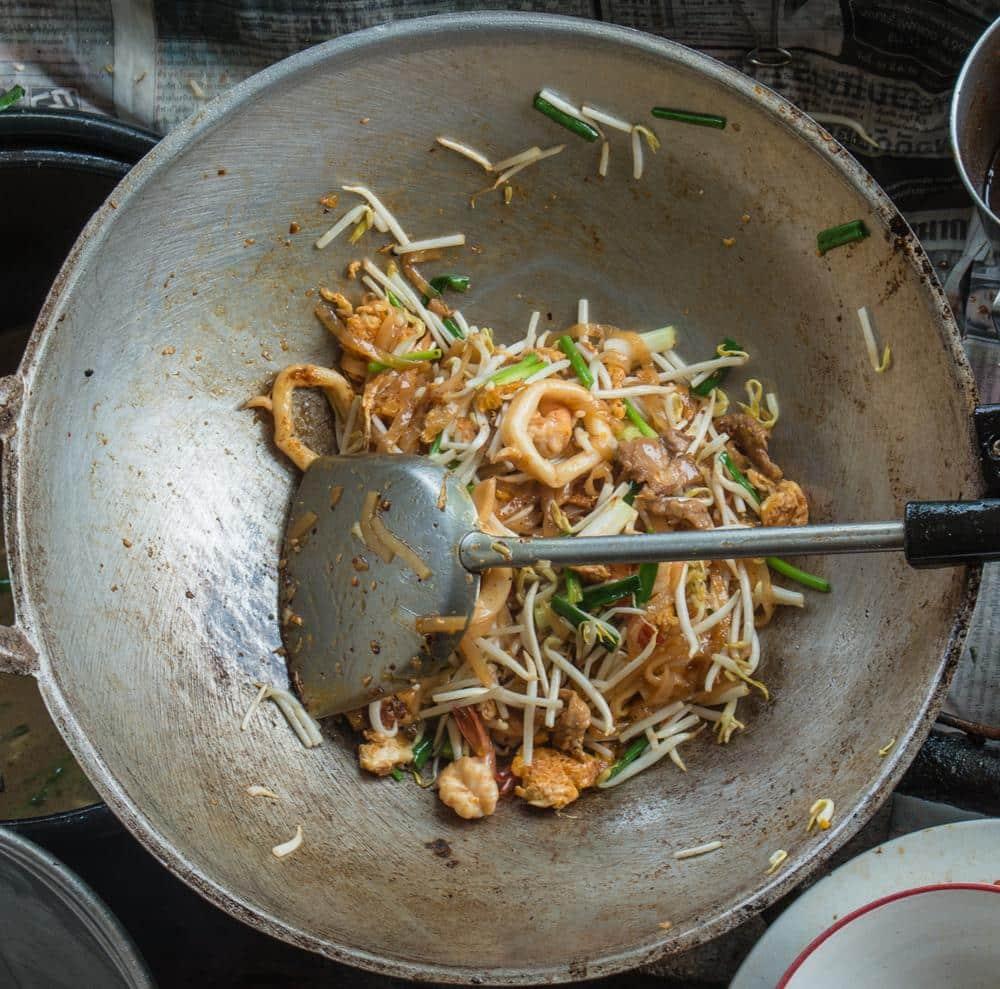 Pad Thai, comida de rua na Tailândia