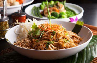 A história do Pad Thai, o prato mais popular da culinária tailandesa