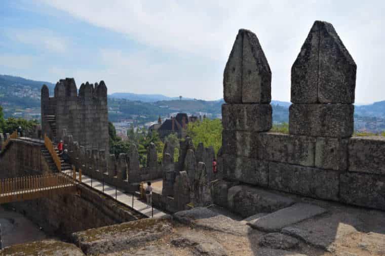 castelos de portugal guimarães