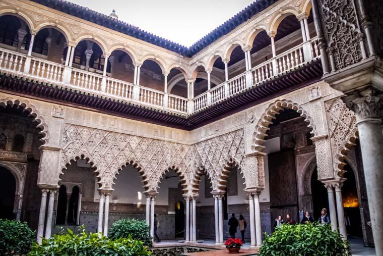 Interior do Real Alcázar de Sevilha