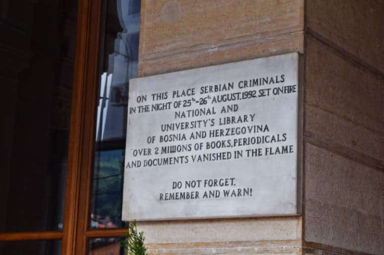 guerra da bosnia biblioteca nacional