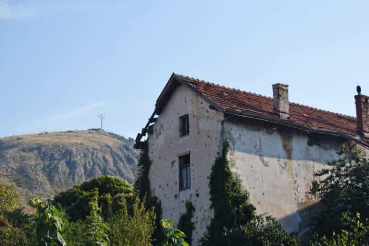 guerra da bosnia casa em mostar