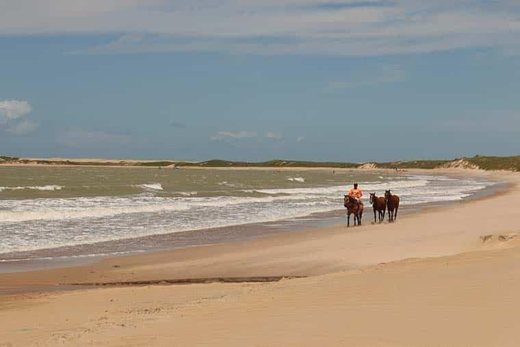 Praias de Maracajaú