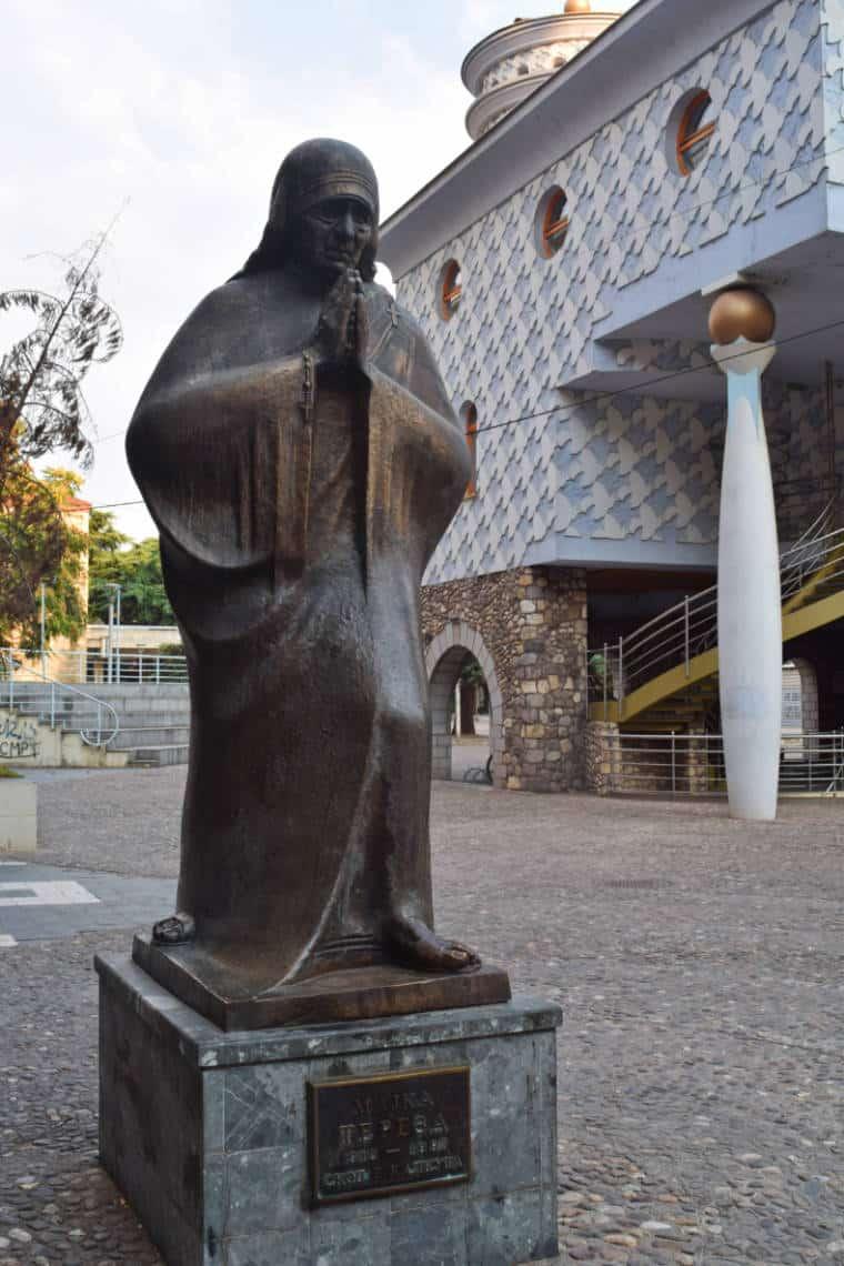 o que fazer em skopje macedonia madre teresa