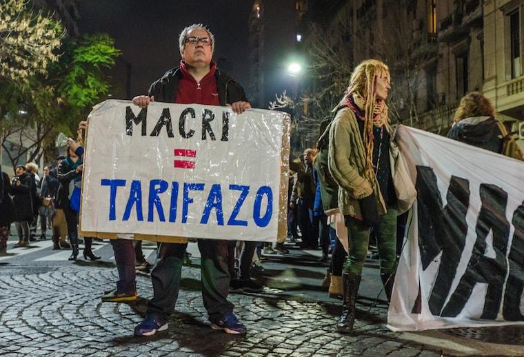 Crise na Argentina: protesto contra aumento de tarifas básicas em agosto de 2016