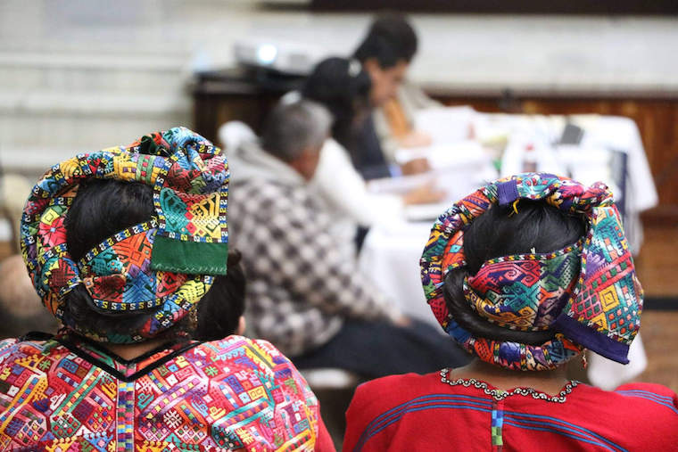 Mulheres no julgamento dos estupros ocorridos durante a Guarra da Guatemala