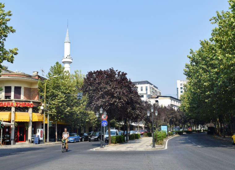 tirana albania bulevar