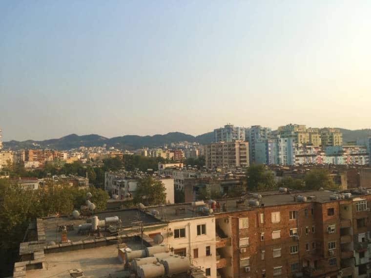 tirana albania vista cidade