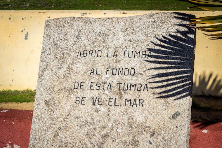 Tumba de Vicente Huidobro - Litoral dos Poetas Chilenos