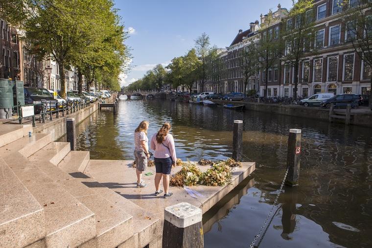 Monumento pela resistência homoafetiva em Amsterdam