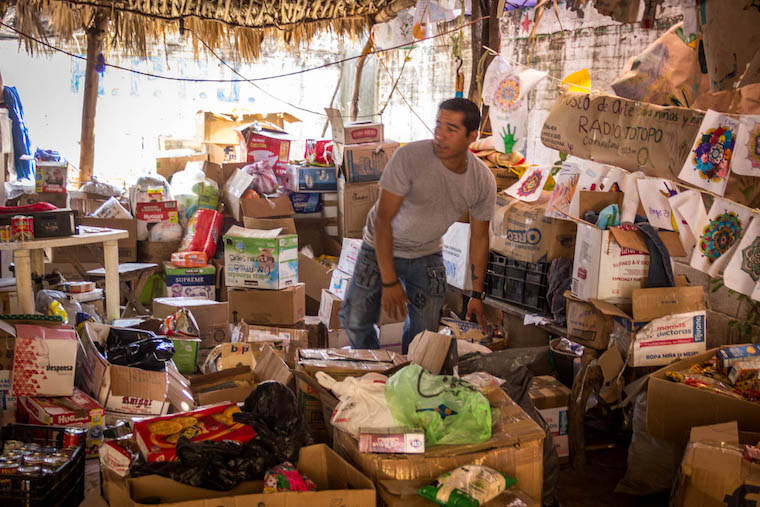 Doações na rádio Totopo - Terremoto no México