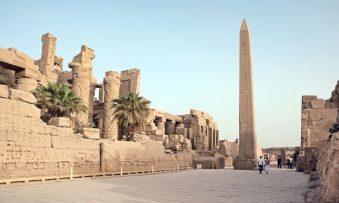 A arte de construir obeliscos no Egito Antigo