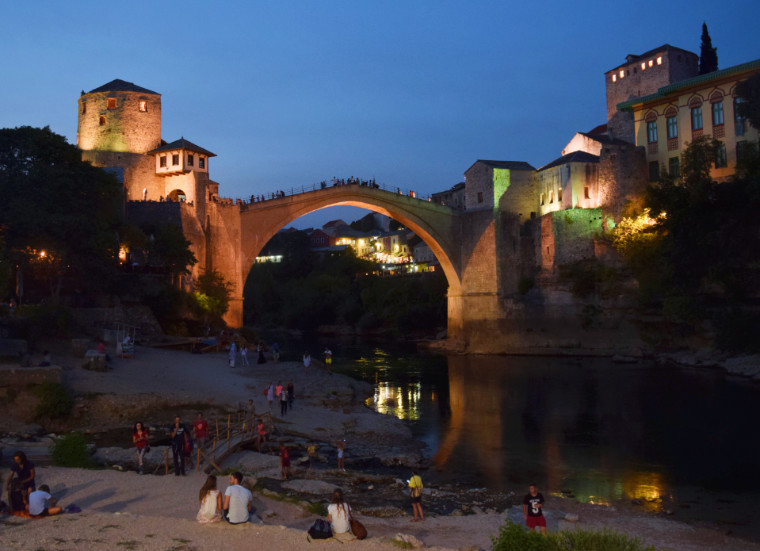 mostar bosnia herzegovina anoitecer