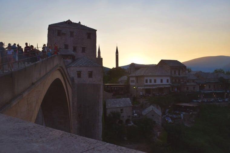 mostar bosnia herzegovina por do sol