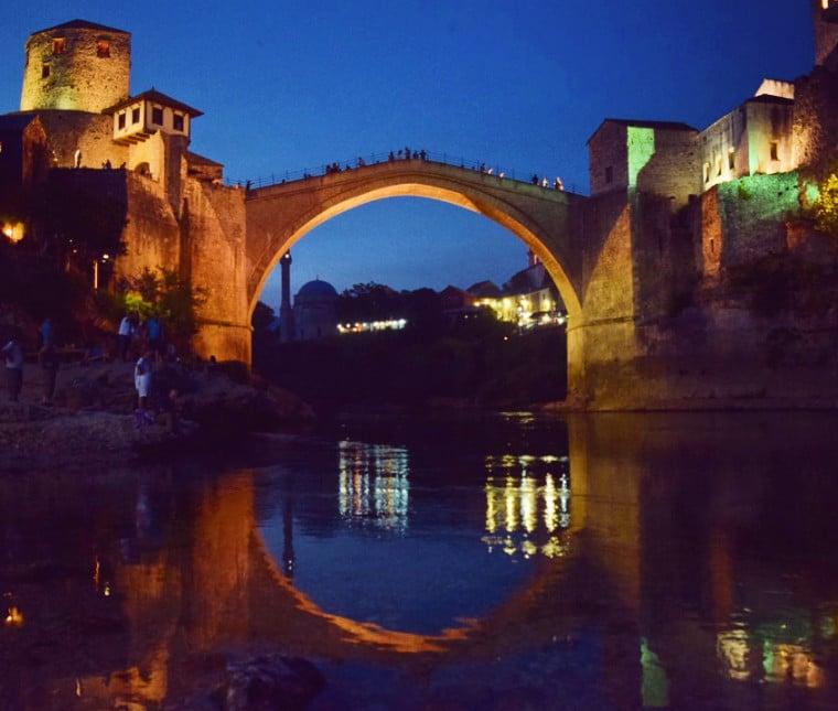 mostar bosnia herzegovina stari most reflexo