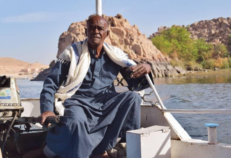 aswan egito barqueiro