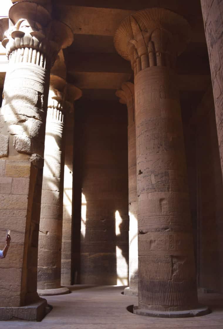 aswan egito templo de philae colunas