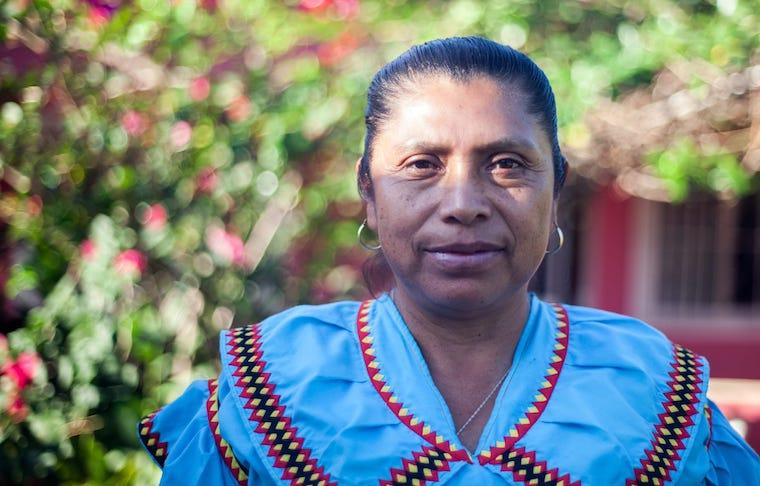Nicolasa Jiménez, mulher ngabe que defende a língua e a cultura de seu povo
