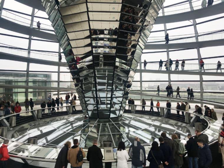 Reichstag Berlim cupula parlamento alemão