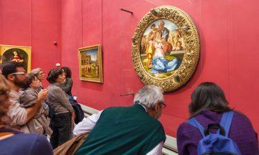 Por que as pessoas insistem em tocar em objetos de museus