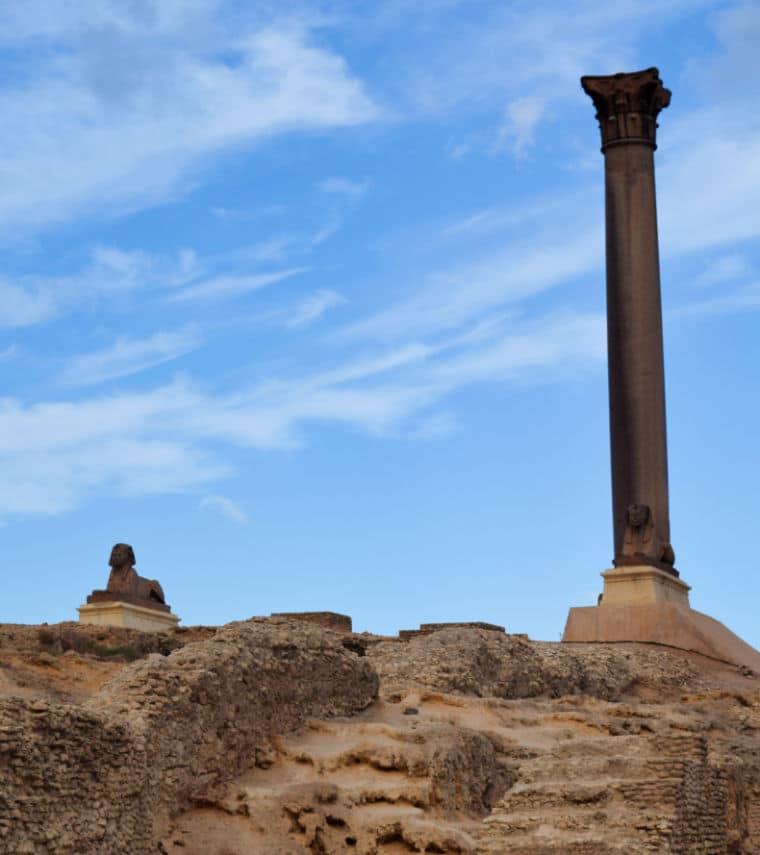 turismo no egito coluna pompeu alexandria