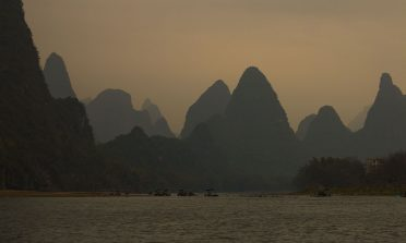 Cruzeiro pelo rio Li e as fantásticas montanhas da China