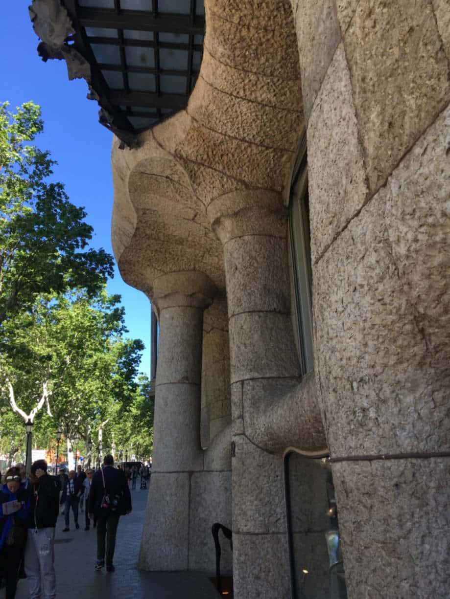 casas modernistas barcelona detalhe la pedrera