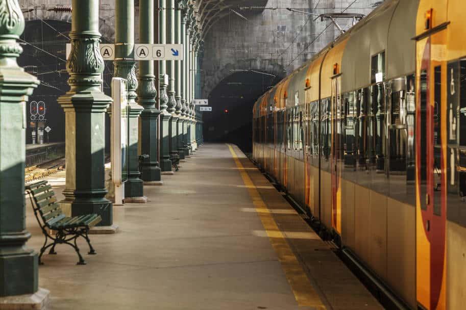 transporte em portugal viajar de trem