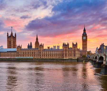 Houses of Parliament Sunset shutterstock_Por Ekaterina Pokrovsky