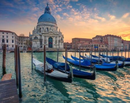 Veneza shutterstock_Por Rudy Balaskojpg