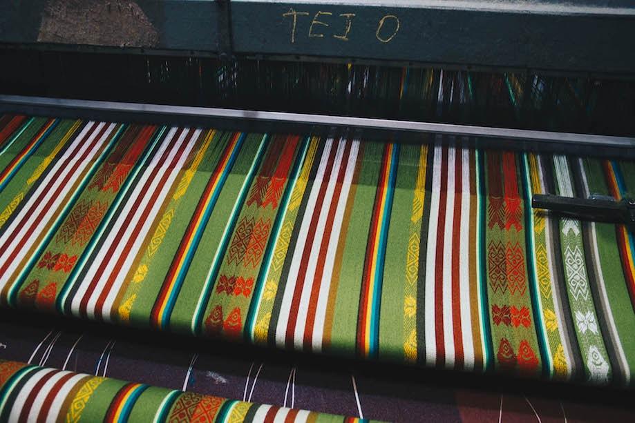 Produção têxtil em Otavalo, Equador