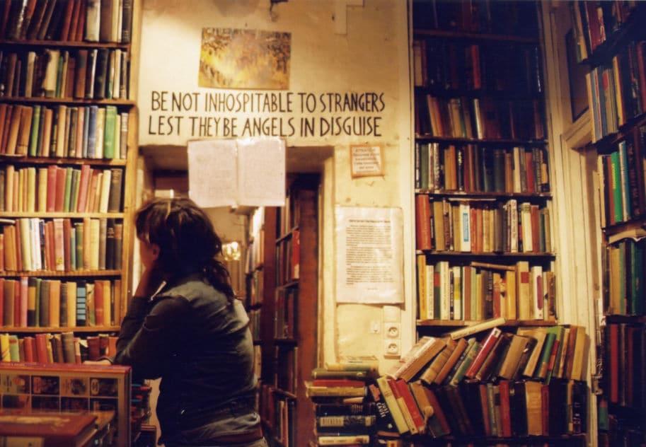 Shakespeare and Company livraria paris mensagens