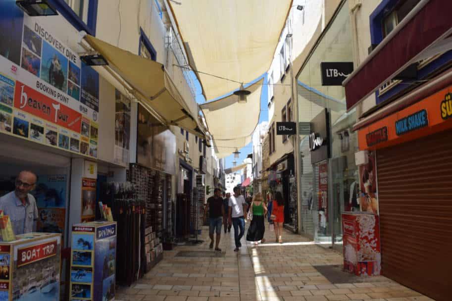 ruas do centro de bodrum