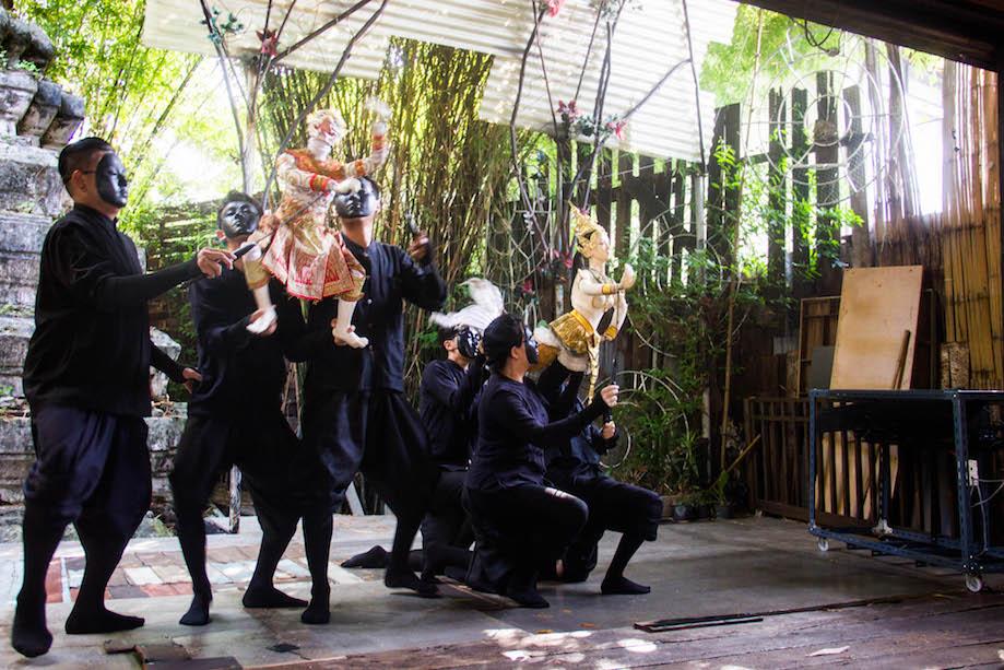 Apresentação do teatro de marionetes tailandês