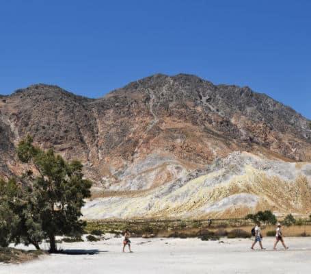 Ilha de Nisyros Grecia cores do vulcao