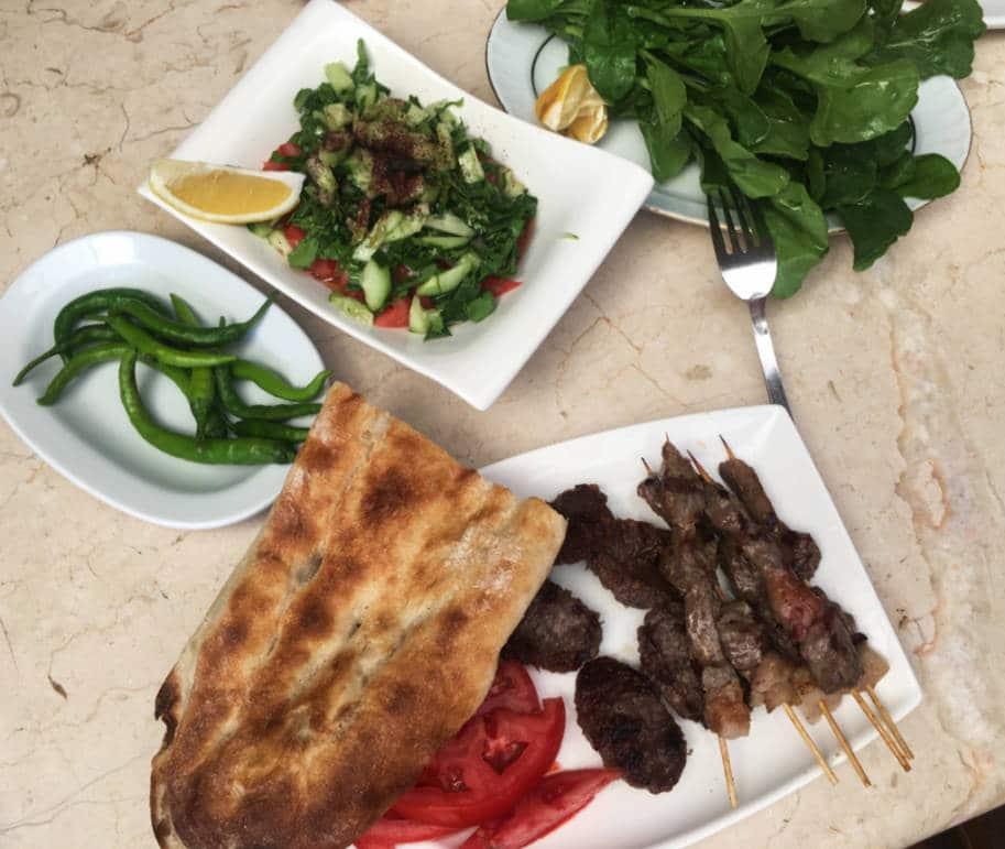 comida turca kebab e kofte