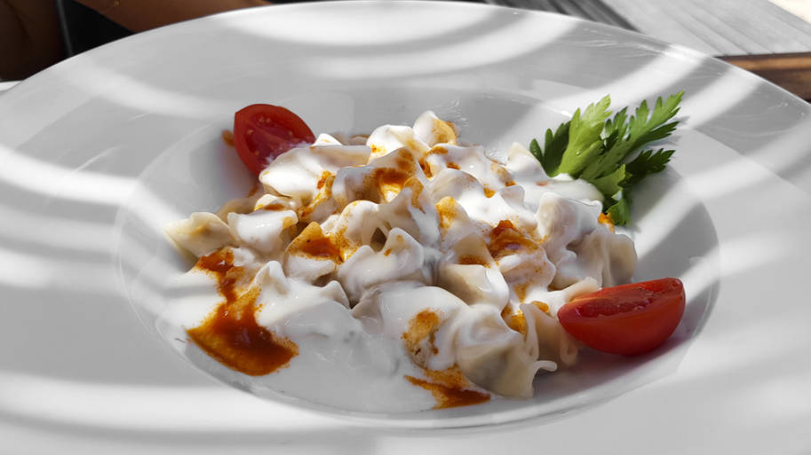 comida turca manti