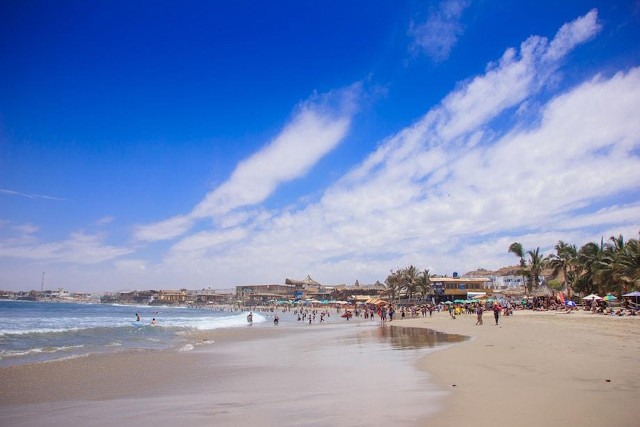 Praia de Máncora, no Peru