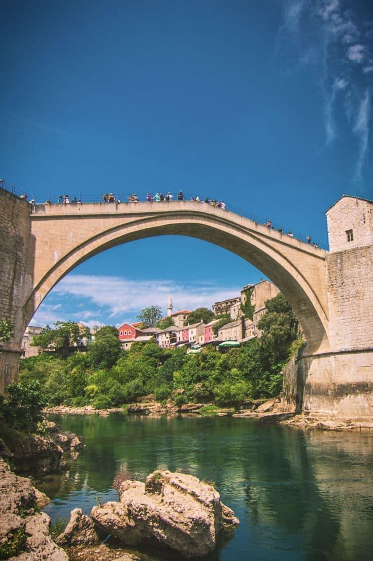 melhores lugares para viajar barato bosnia