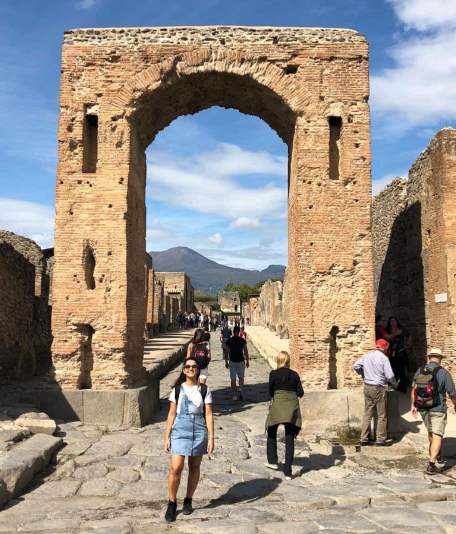 arco di caligola - ruinas de pompeia italia